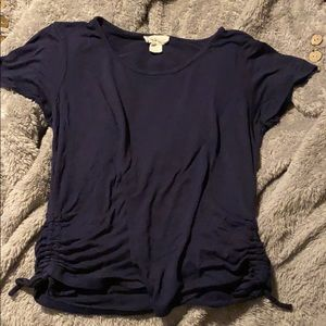 Gently used, adorable crew neck in great condition